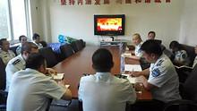"""望京城管队党支部组织全体党员开展了""""两学一做""""党课学习"""