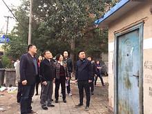 望京街道领导带队对南湖三巷、落田洼进行安全检查