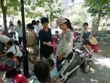 望京圣星社区举办六一儿童节丝巾DIY制作活动