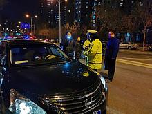 宣管结合,东湖街道对大望京商务区开展联合交通整治