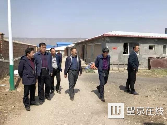 4月24日,东湖街道办事处主任徐继锋带队前往内蒙古卓资县梨花镇狮子