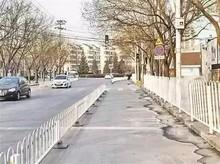 """望京花家地实验小学""""重灾区""""清净了 安装70米护栏"""