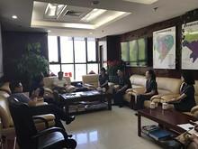 望京街道工委书记商建英与望京法庭负责人举行座谈