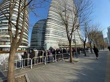 望京39栋商务楼启动核酸检测,预计今天将有2万人参加