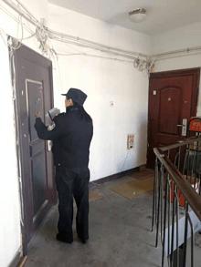 东湖街道开展出租房屋安全隐患排查和整改工作
