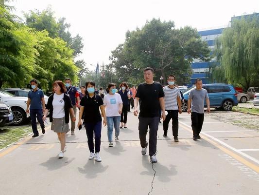 望京街道主要领导带队督导深化文明城区创建工作