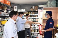 区委书记朱兴波赴联系点督导节前安全生产工作