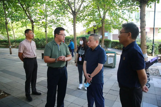 区人大常委会领导视察望京街道分会选民名单公布情况